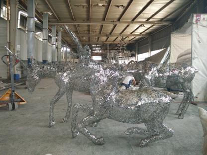 不锈钢镂空鹿